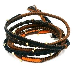 Armband wrap 5 rij leer, touw en metaal goud bruin/zwart/oranje