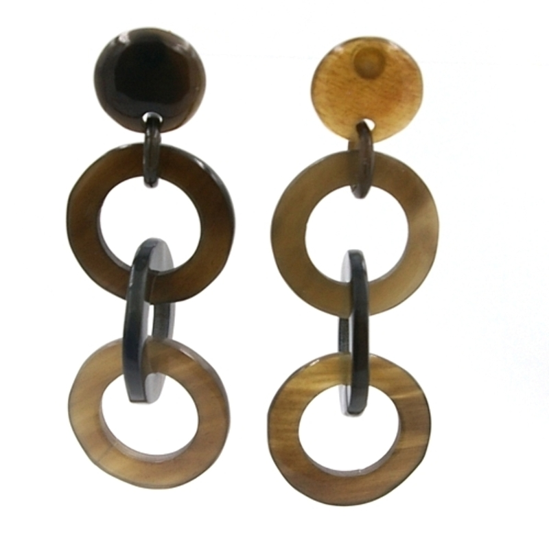 Oorbellen buffelhoorn naturel 3 ringen onder elkaar