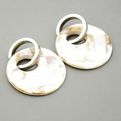 Oorbellen mother of pearl rond ingelegd paarlemoer/bruin met zilveren stainless steel creool