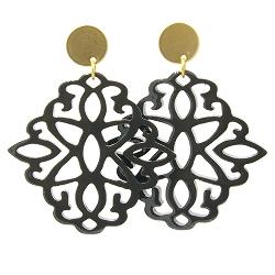 Oorbellen buffel hoorn ornament zwart lacquer met gouden knop
