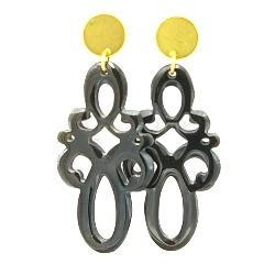 Oorbellen buffelhoorn ornament lang naturel met gouden knop