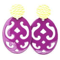 Oorbellen buffelhoorn ovaal opengewerkt paars
