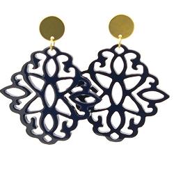 Oorbellen buffelhoorn ornament donkerblauw lacquer met gouden knop