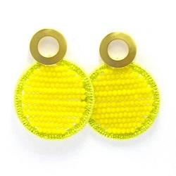 Oorbellen satijndraad met facet rond limegroen/geel