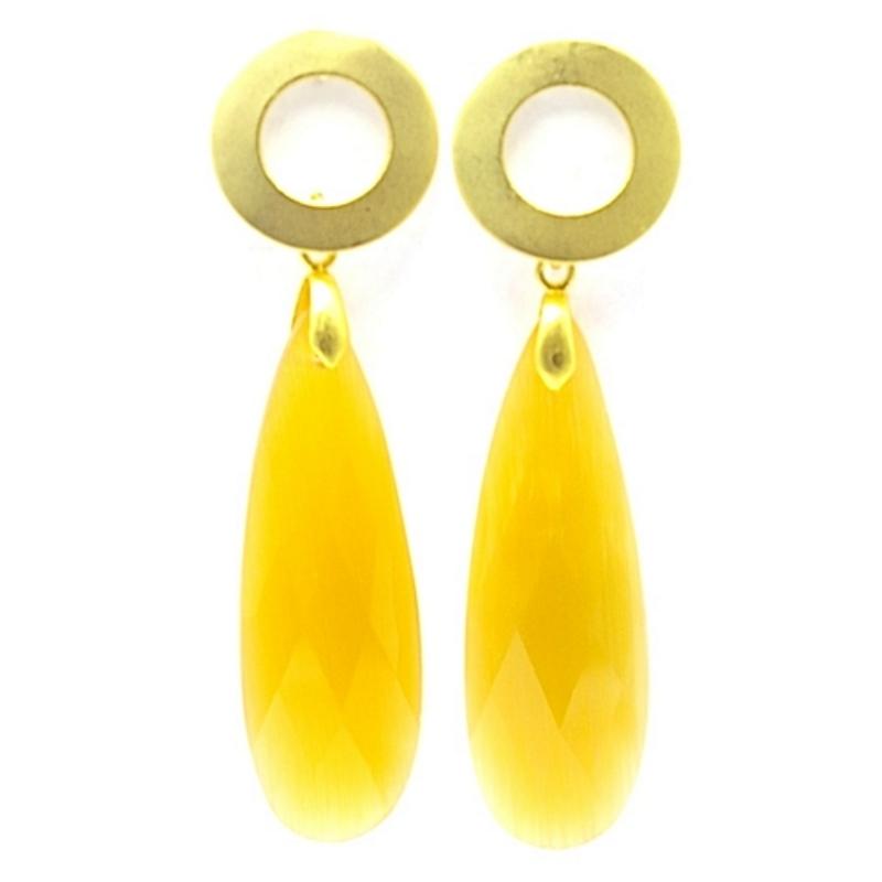 Oorbellen facetgeslepen druppel lang geel met open gouden steker