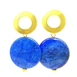 Oorbellen facetgeslepen lapis lazuli met open gouden steker