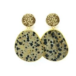 Oorbellen halfedelsteen dalmatier jasper hanger met gouden steker