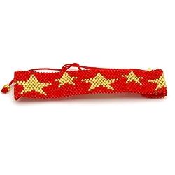 Armband plat geweven mijuki kraaltjes rood met gouden sterren