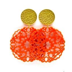 Oorbellen schelphars bloem oranje