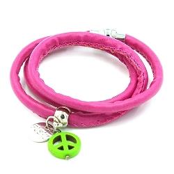 Armband leather look wrap roze met bedel