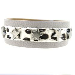 Armband leather look met bontje en metalen sterren
